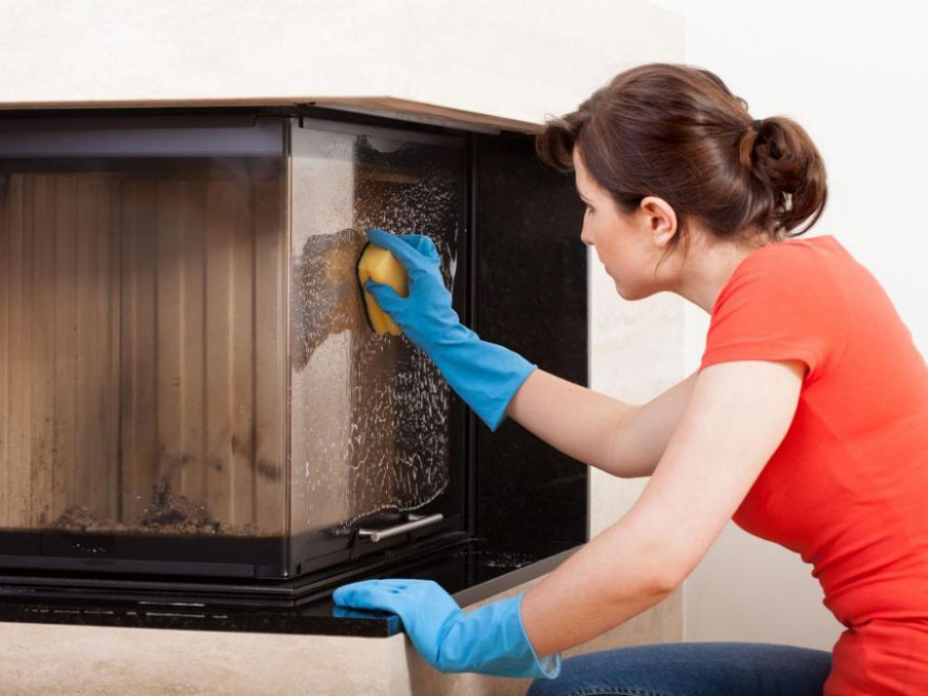Спитый жмых применяется для очищения камина или печки от нагара