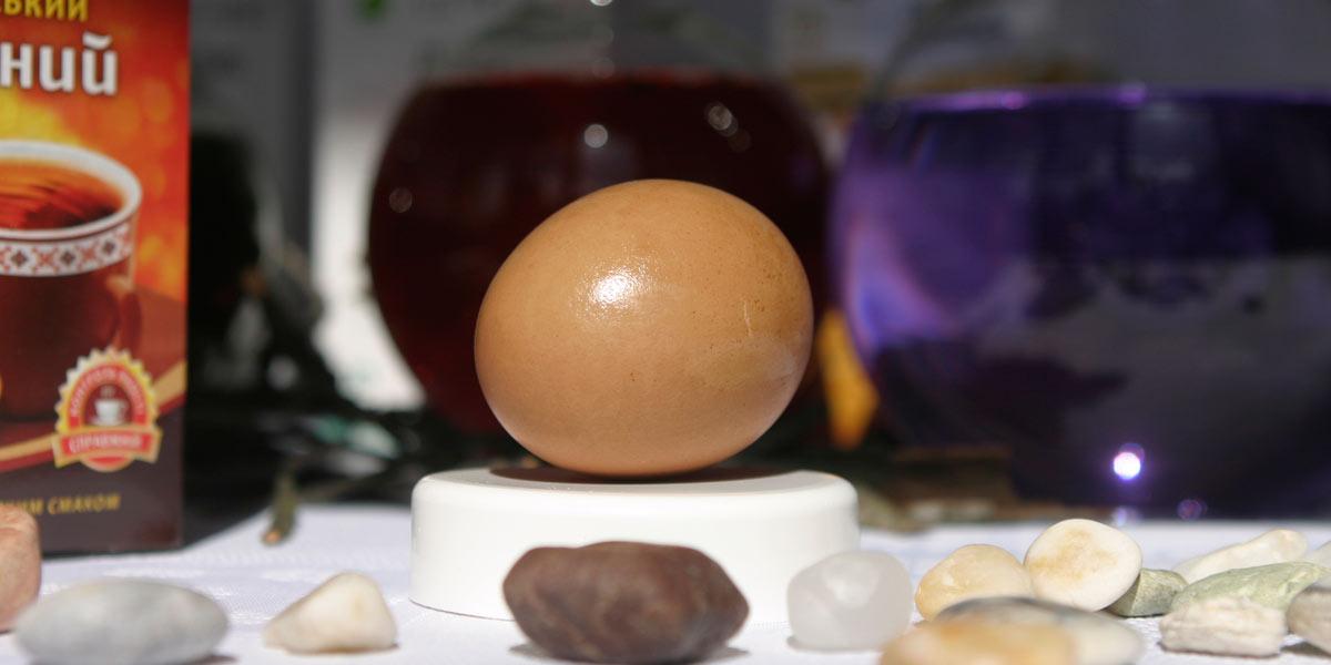 Кофейный жмых может стать прекрасным натуральным красителем для пасхальных яиц