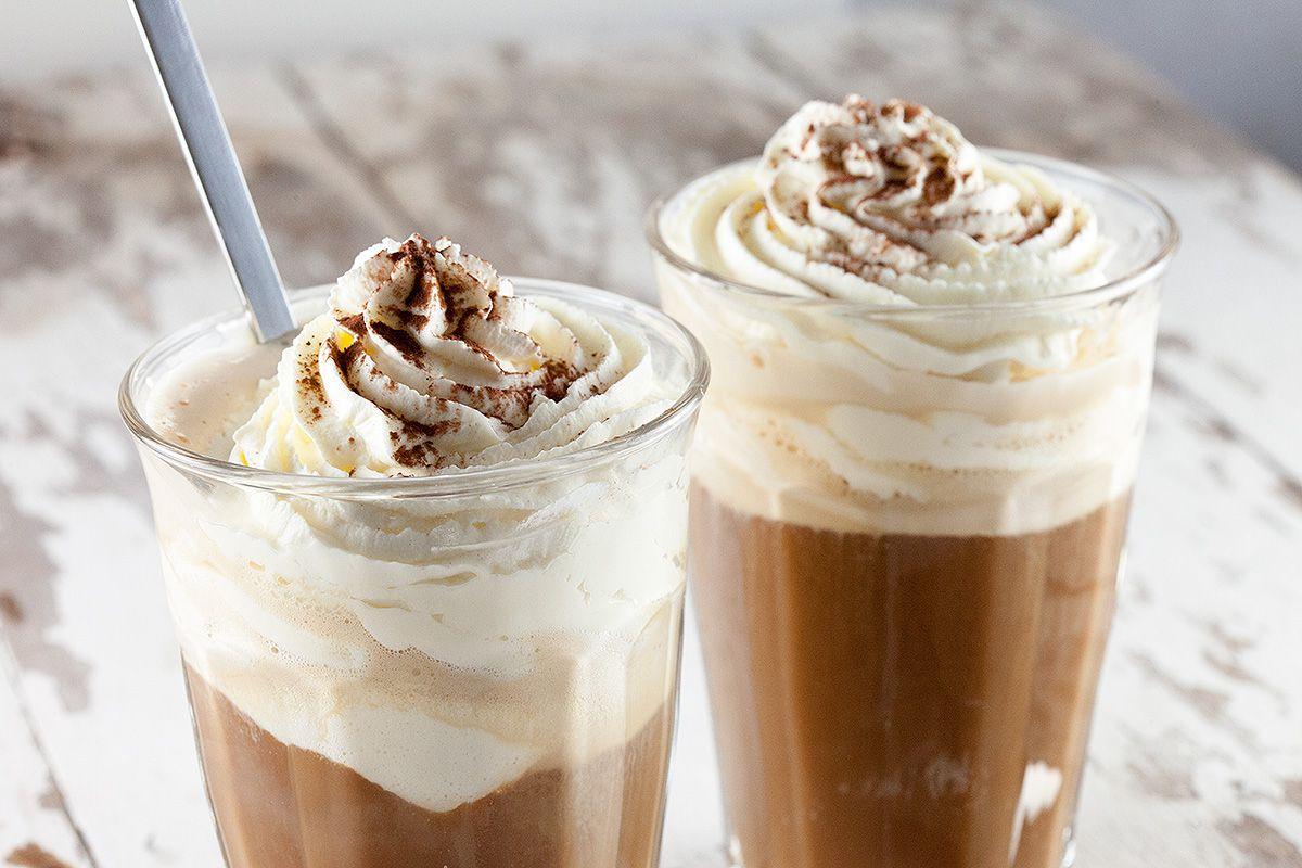 Кофе с мороженым со сливками