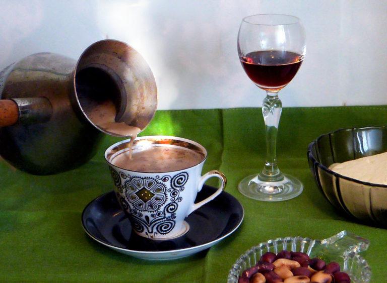 Гифка кофе с коньяком