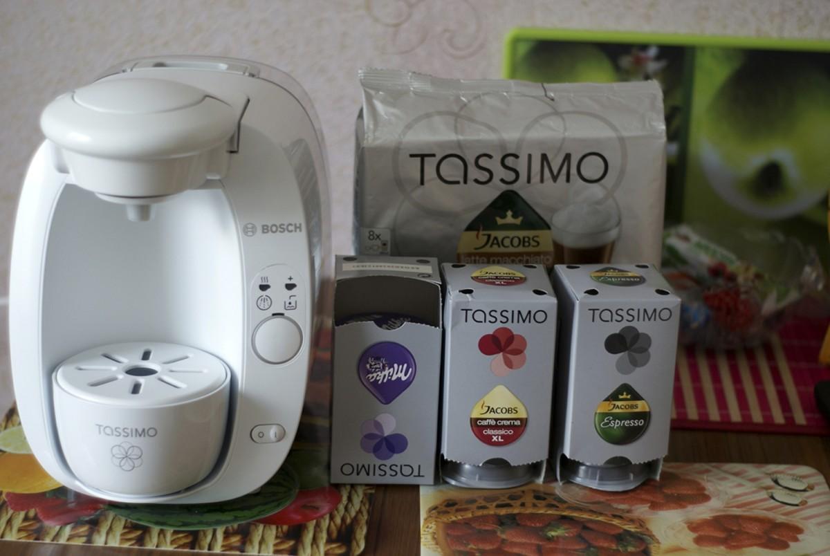 Кофе-машина и ассортимент