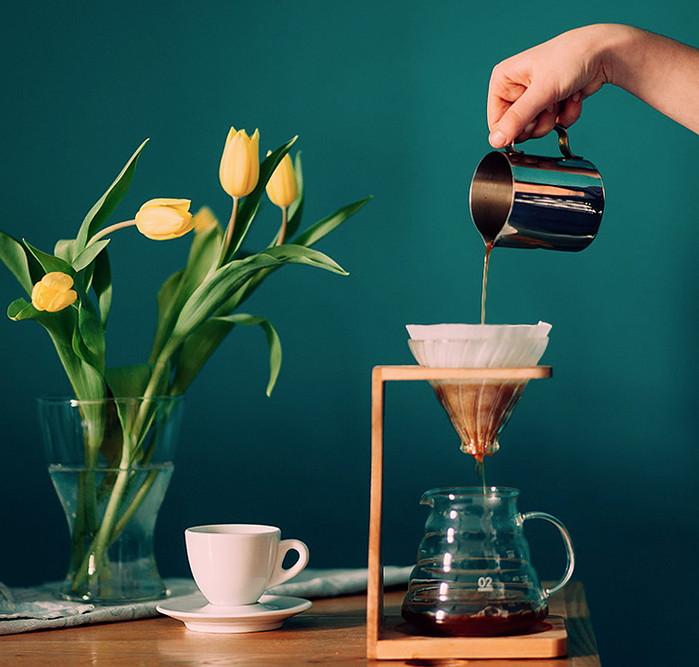 приготовление кофе лунго через фильтр в кувшине