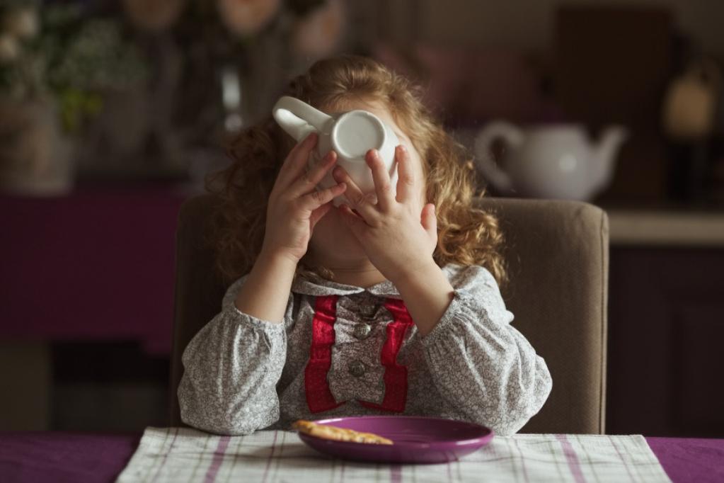 Детям до 14 лет в принципе нельзя давать пить кофе