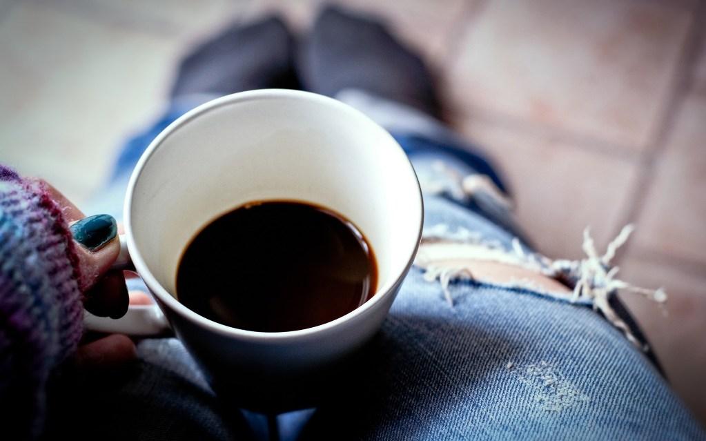 При наличии аллергии придется совсем отказаться от натурального кофе