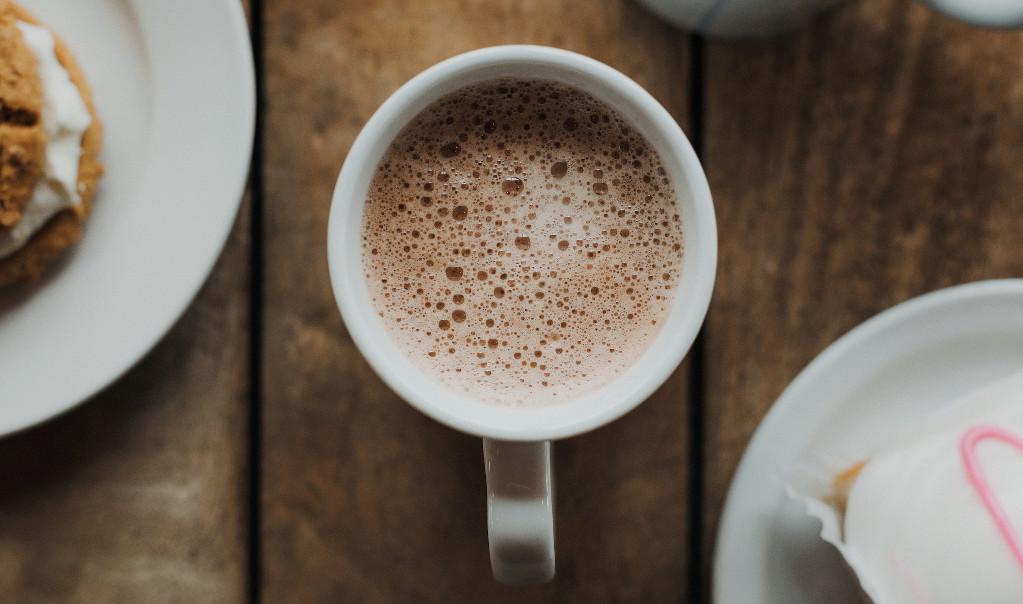 В керамической кружке кофе просто заливается кипятком
