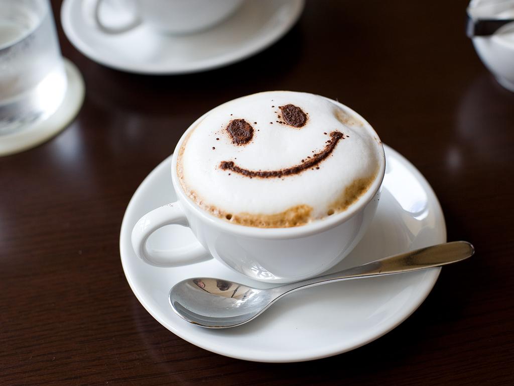 Врачи рекомендуют делать небольшие перерывы между употреблением кофе