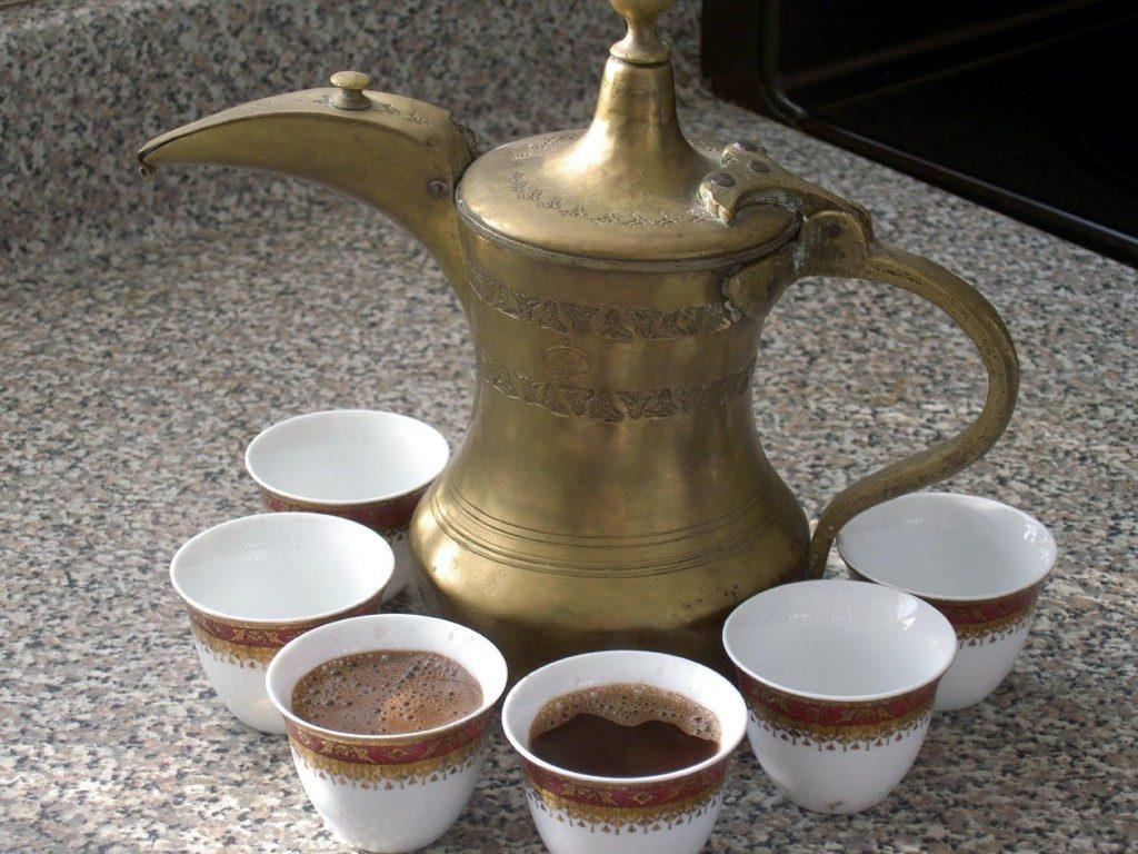 напоминает заварник для чая