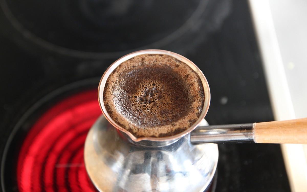 Кофе в турке на электроплите