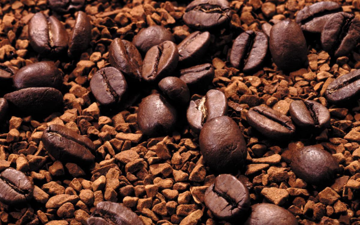 Из прожаренных зерен изготавливается кофейный концентрат