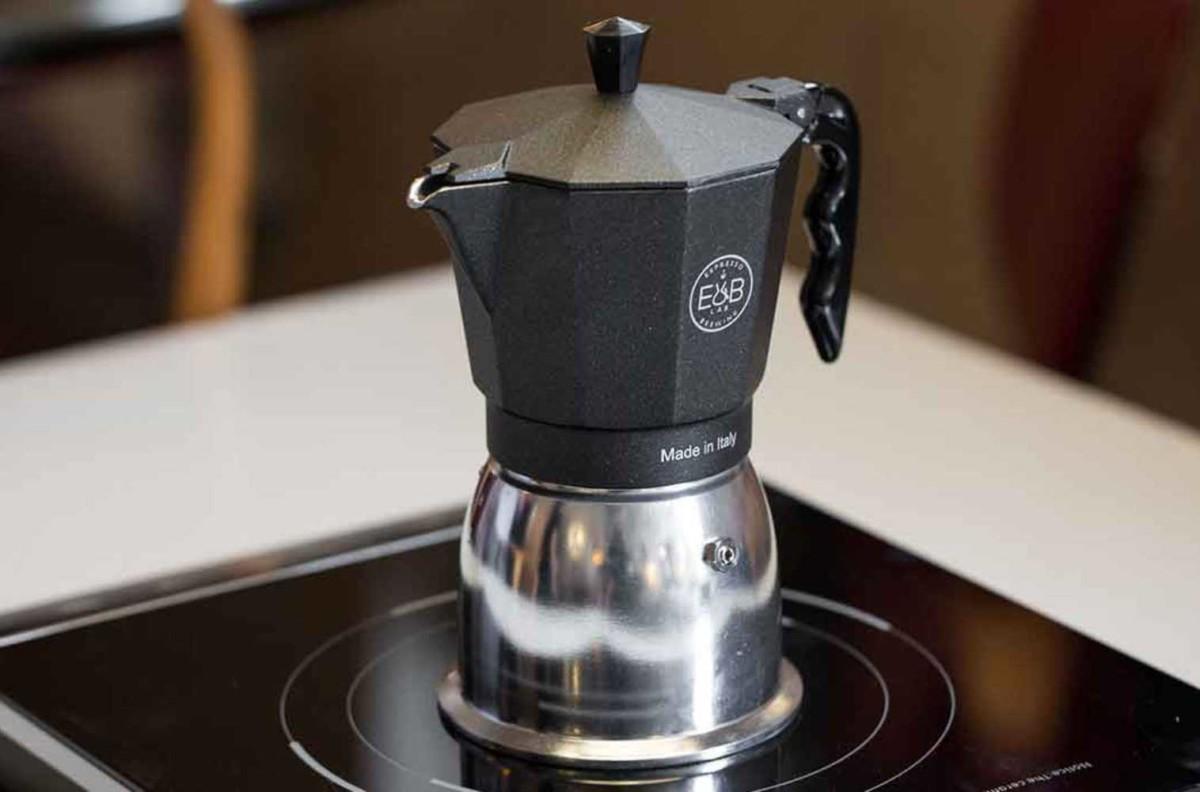 Варка кофе в кофеварке гейзер