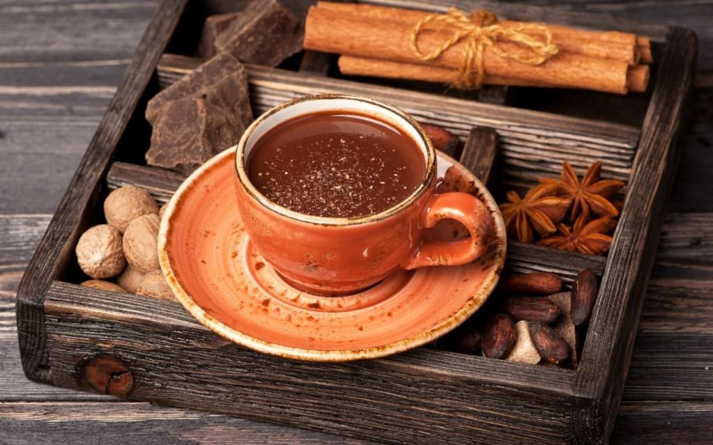 Пряный кофе с шоколадом и специями