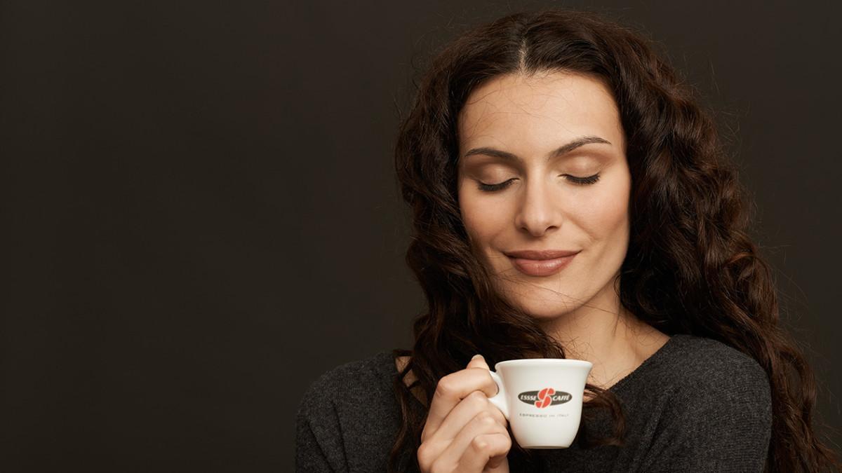 Essse Caffe относится к элитным напиткам и имеет чуть более высокую цену, чем предыдущие бренды