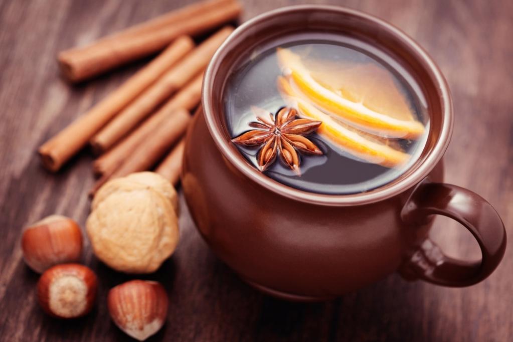 Наличие ароматизаторов и специй улучшает вкус и аромат кофе, но в то же время увеличивает его калорийность