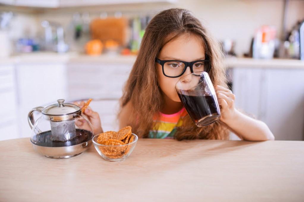 От кофейного напитка может повыситься давление, что нерекомендовано детям