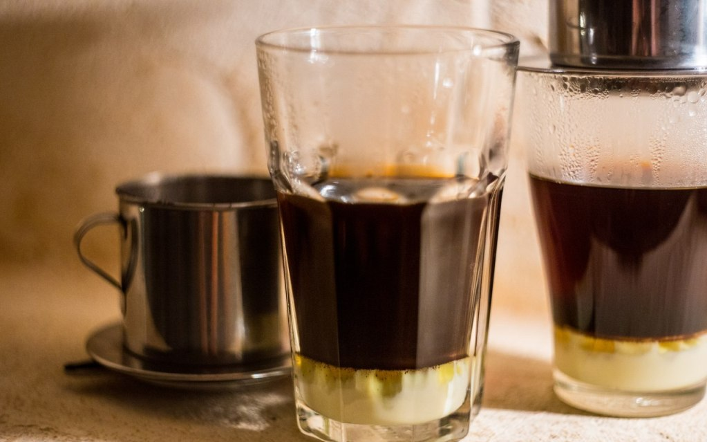 Алкоголь в кофе можно заменить сиропом