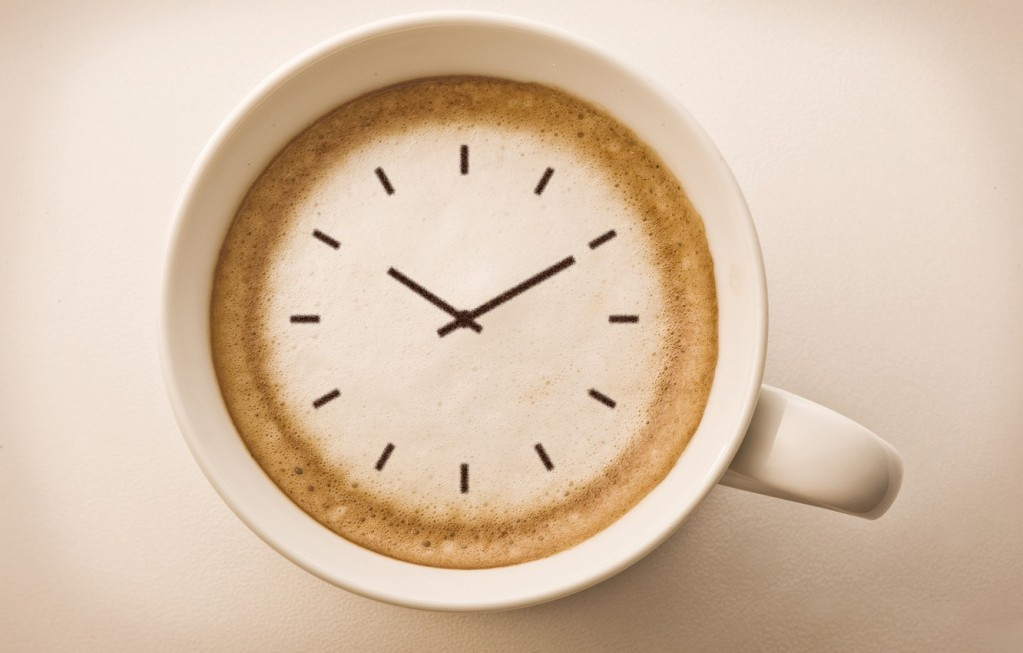 Стоит употреблять кофе ежедневно в одно и то же время