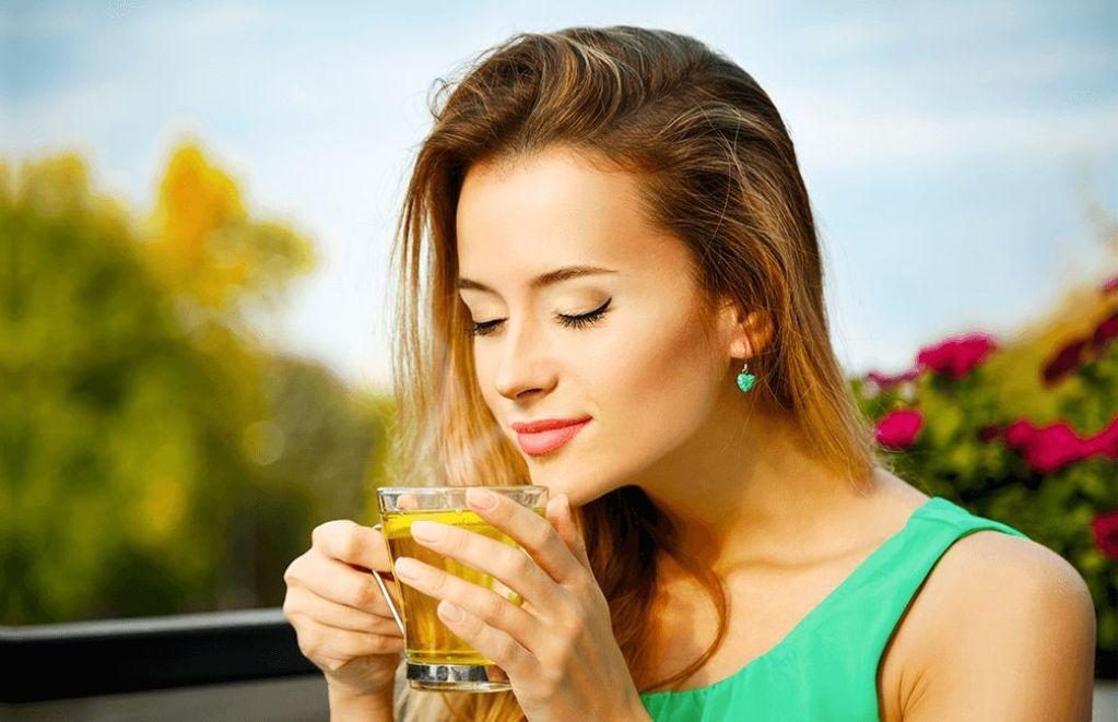 Зеленый чай бодрит организм и имеет минимум противопоказаний