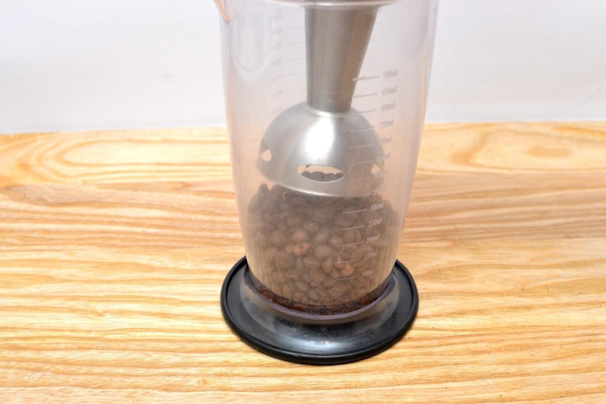 Блендер используют зачастую новички и те, кому хочется кофе из свежих молотых зерен пару раз в месяц
