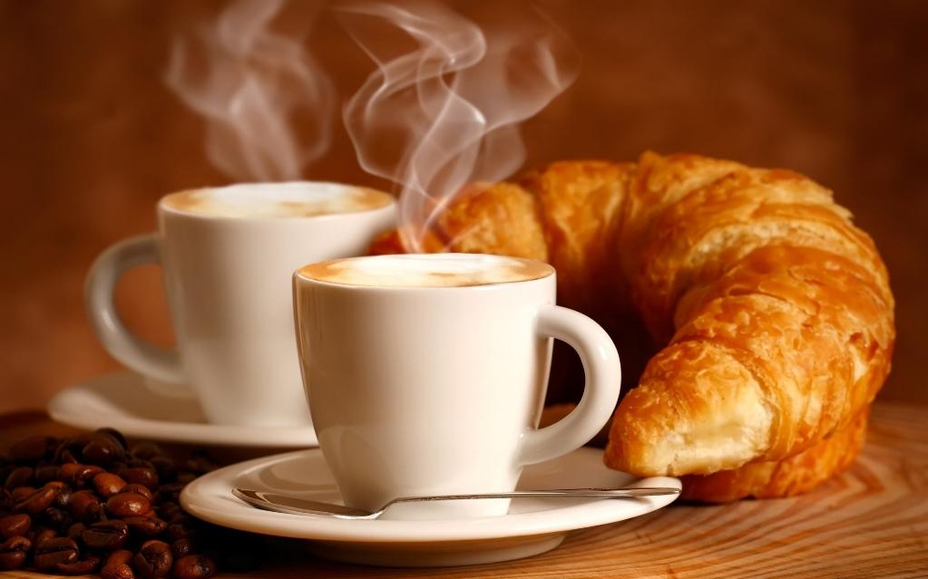 Не рекомендуется пить кофе на голодный желудок